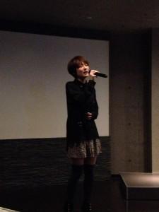 「YUI★Night」で熱唱する脇田唯さん
