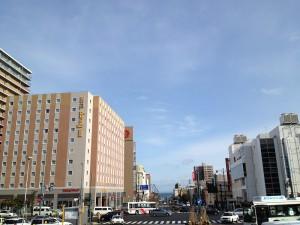 小樽駅前の青空