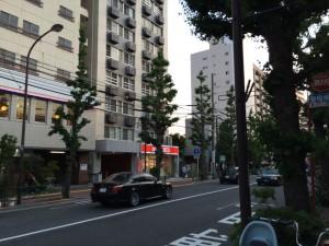 東京行き(201405)劇場に向かう